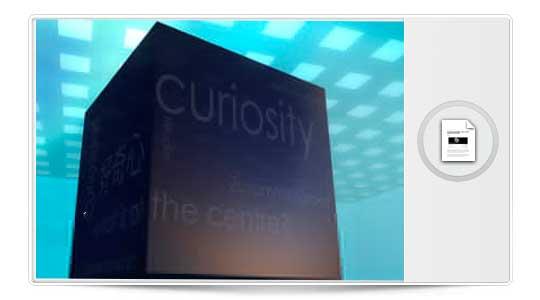 Curiosity: Juega todo el mundo, solo gana Uno….