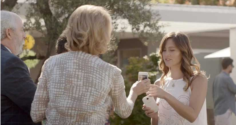 El iPhone es para los mayores y el Galaxy S4 para los jóvenes guapos, Según Samsung…