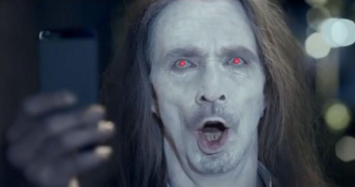 Los usuarios de iPhone somos unos Zombies, pero los de Nokia son unos Cagaos….