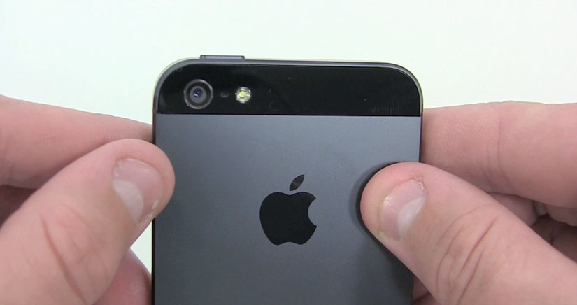 El iPhone 5S podría llevar doble Flash led [Fotos]
