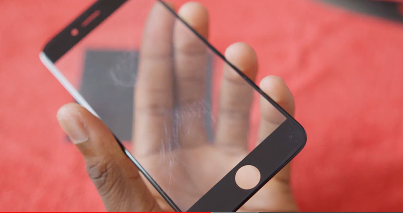 El panel frontal del iPhone 6 si que se raya….