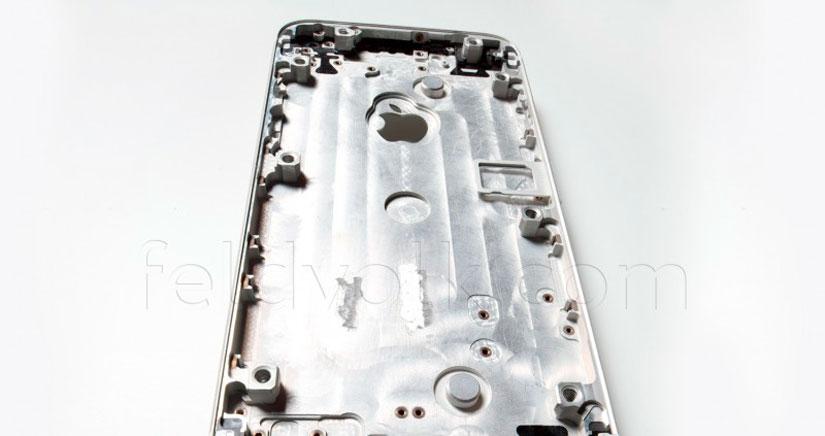 La parte trasera del iPhone 6 en Fotos y vídeo de alta calidad, y parece que se va a rayar con facilidad…