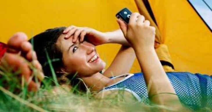 Cómo realizar una llamada o FaceTime desde iMessage [Abrakadabra 103]