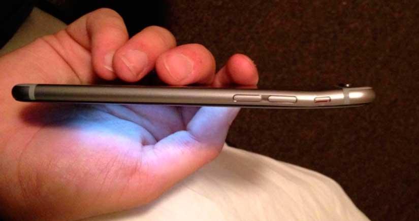 El iPhone 6 se dobla en el bolsillo de sus usuarios, el fenómeno se llama #BendGate [Fotos]