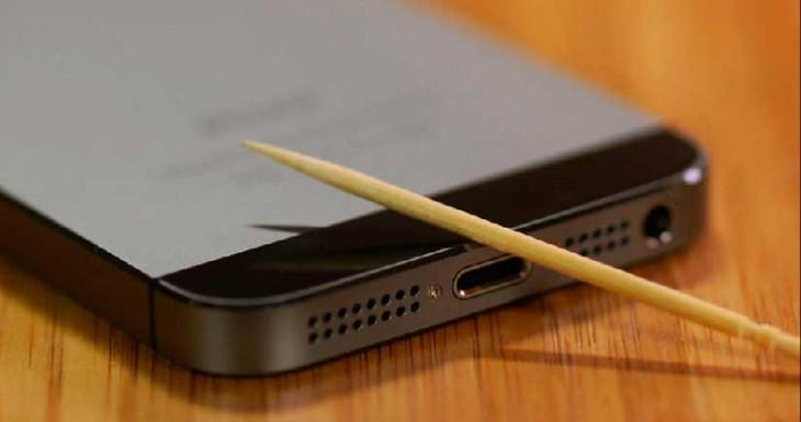 ¿Tu iPhone no carga?, prueba esta sencilla solución