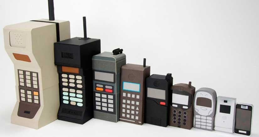 Así empezó todo: Estos son los primeros modelos de móviles de las principales marcas