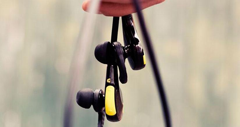 Ahorra un 34% en estos auriculares inalámbricos Bluetooth MMOVE