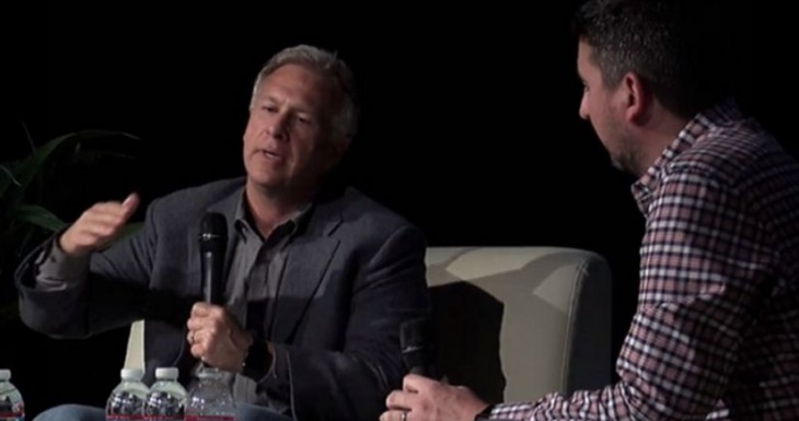 Phil Schiller explica algunas decisiones controvertidas de Apple en The Talk Show