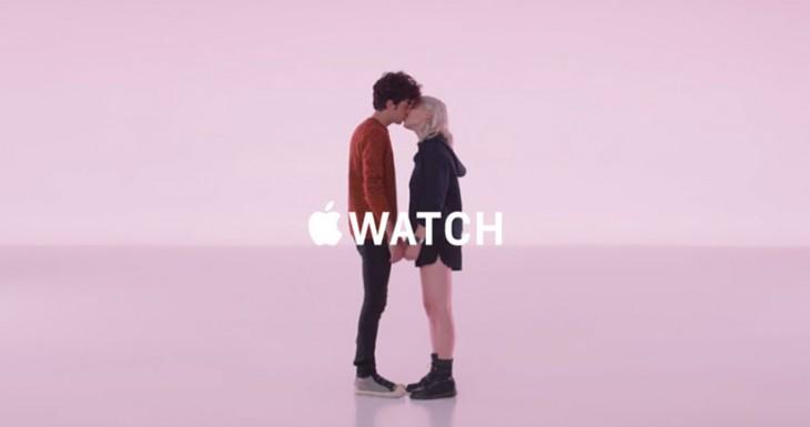 Estos siete nuevos anuncios para el Apple Watch nos lo muestran como parte integral de nuestro día a día