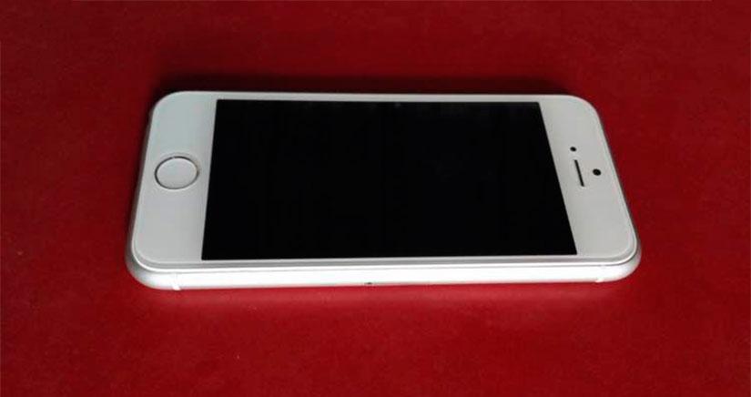Se filtran fotografías de una maqueta del iPhone 6c [Fotos]