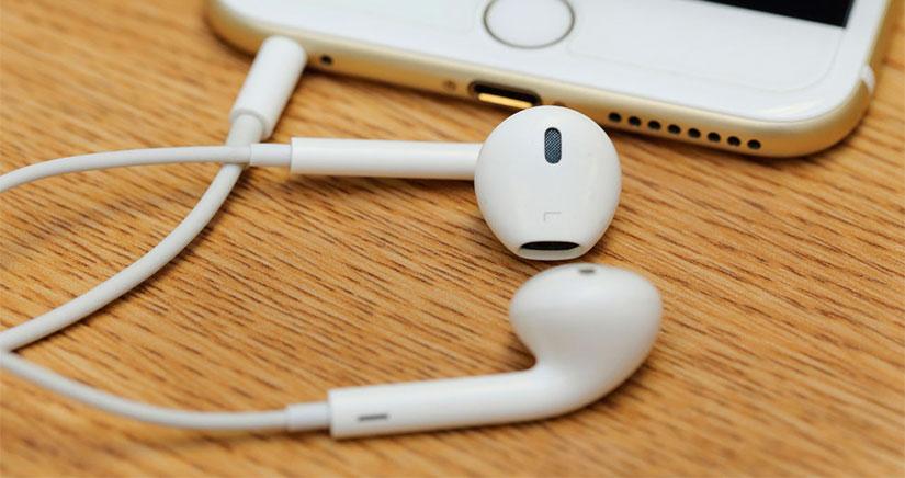 Más de 200.000 personas firman una petición para que Apple no elimine la toma de auriculares