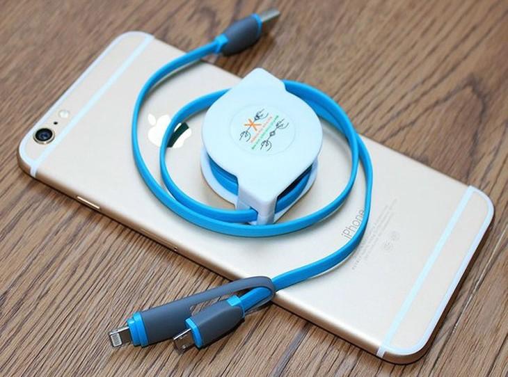 Cable de carga retráctil para iPhone y Android