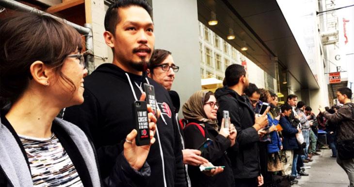 Los usuarios muestran su apoyo a Apple por plantar cara al FBI