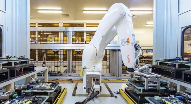 Foxconn se deshace de 60.000 trabajadores y los sustituye por robots