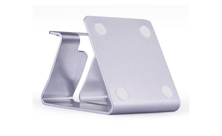 Soporte metálico de mesa para iPhone