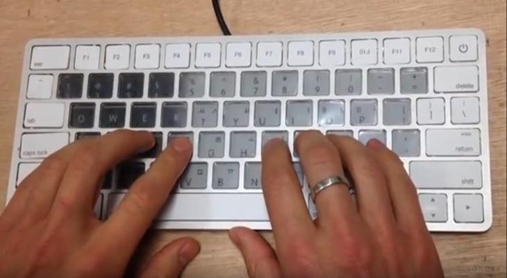 Este futurista teclado para Mac parece mágico