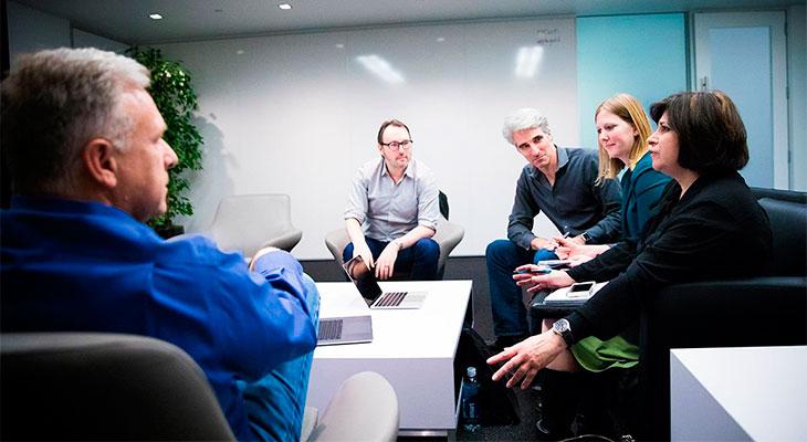 Varios ejecutivos de Apple hablan del futuro de la compañía y del nuevo MacBook Pro