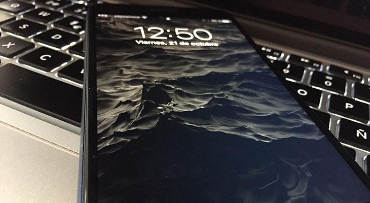 Si tienes un iPhone 7 negro, necesitas estos fondos de pantalla