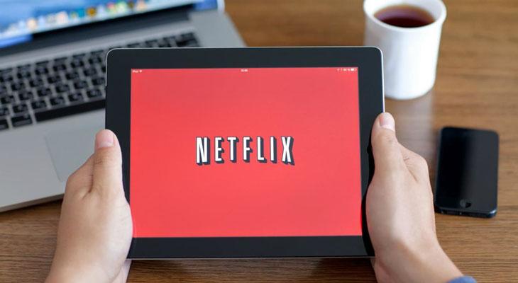 Netflix se actualiza y ya permite descargar series y películas para ver sin conexión
