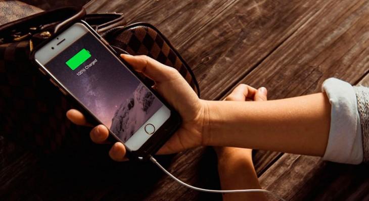 ¿Por qué la batería de nuestro iPhone dura menos según pasa el tiempo?