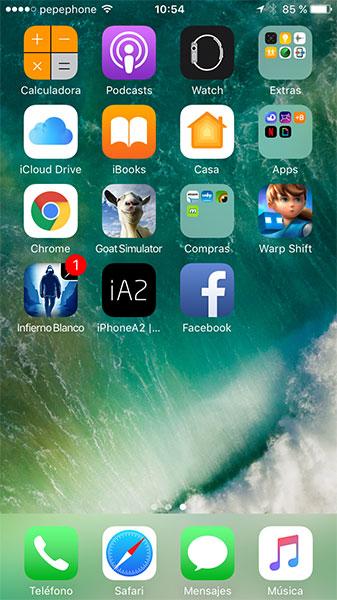 Facebook web en catalán en pantalla de inicio de iPhone