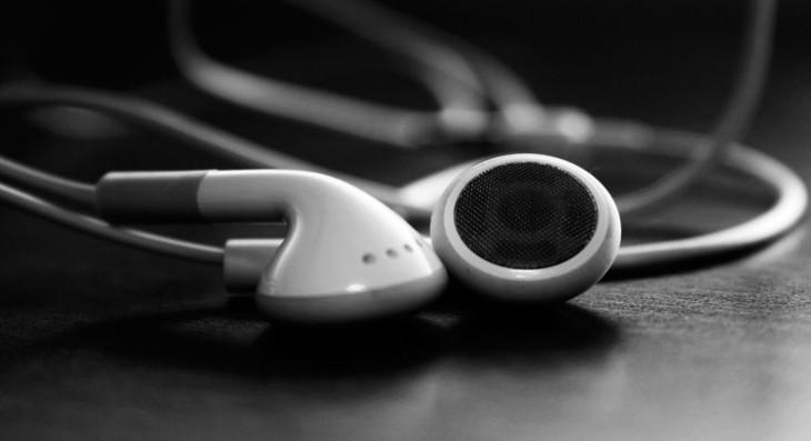 Apple patenta unos auriculares que pueden transformarse en altavoces
