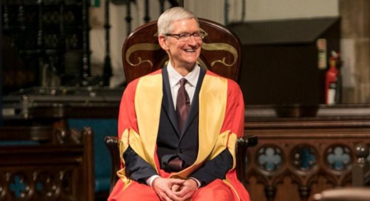 Tim Cook recibe un título honorífico de la Universidad de Glasgow y habla sobre el legado de Steve Jobs y la inmigración