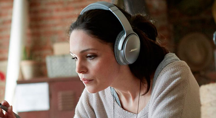 Bose acusada de espiar a sus usuarios a través de sus auriculares y altavoces inalámbricos