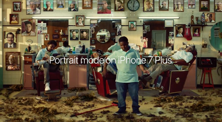 El nuevo anuncio del iPhone 7 Plus tiene lugar en una peculiar peluquería