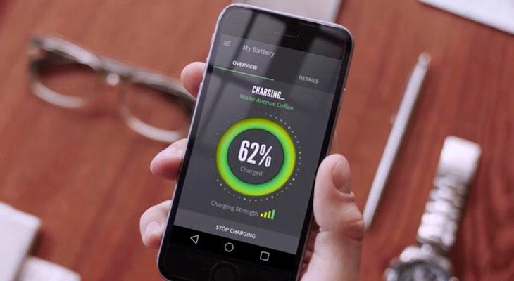 Los iPhones del futuro podrían cargarse inalámbricamente con un router Wi-Fi
