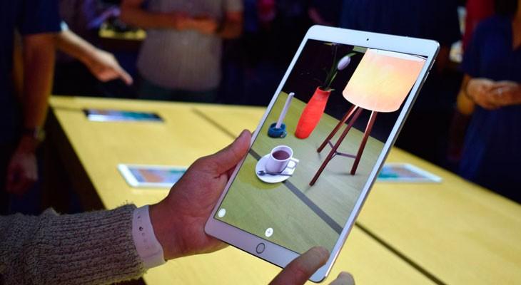Los desarrolladores muestran sus primeras creaciones de realidad aumentada con ARKit