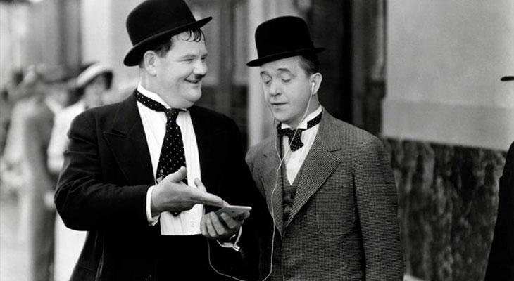 ¿Te acuerdas del iPhone 7 que usaba Bogart en Casablanca? ¡Míralo!