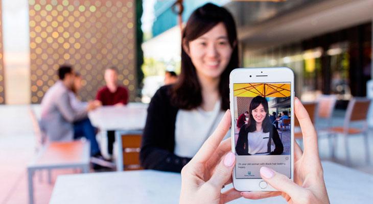 Microsoft lanza Seeing AI, una app capaz de describir el mundo a los ciegos