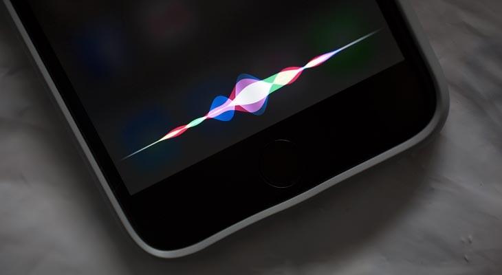 Cómo usar Siri escribiendo, en vez de hablando, en el iPhone o iPad
