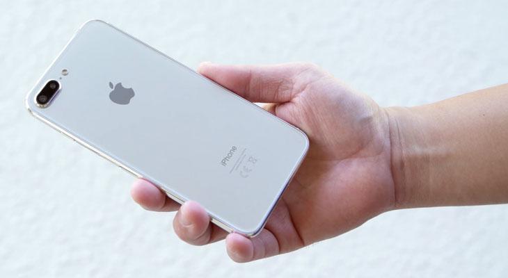 Se filtra la placa lógica y el panel frontal del iPhone 7s