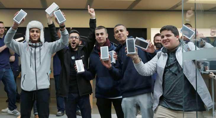 cola gente comprar iphone