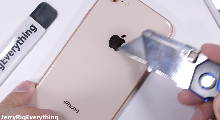 El iPhone 8 pasa su primer test de resistencia con éxito [Vídeo]