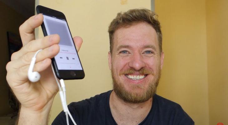 Así puedes añadir un conector Jack a tu iPhone 7
