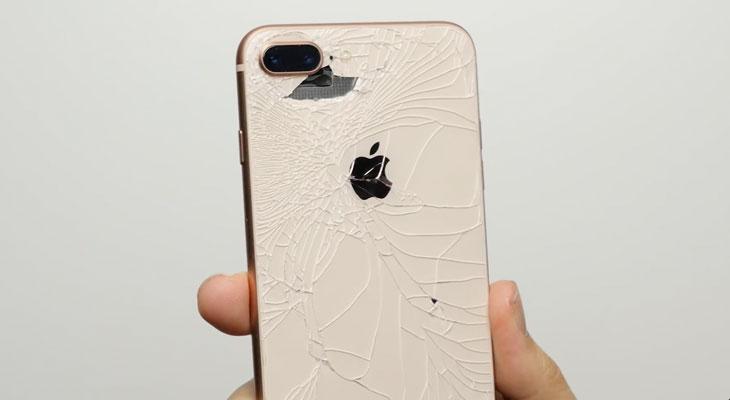 ¿Es tan resistente el vidrio del iPhone 8 como dice Apple? parece que no [Vídeo]