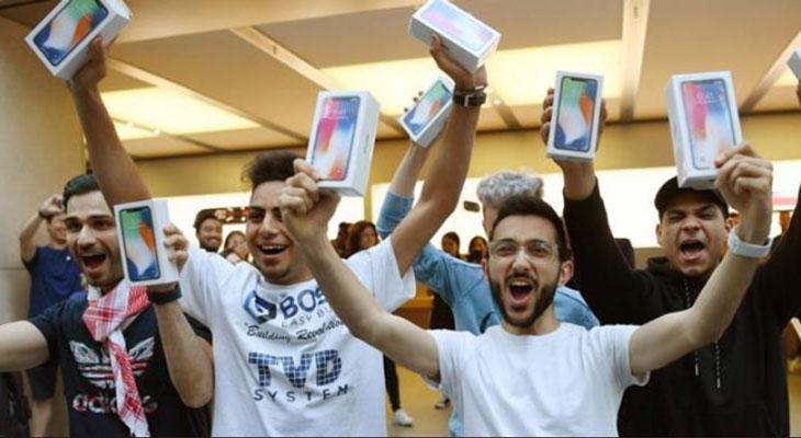 El lanzamiento del iPhone X ha traído cola