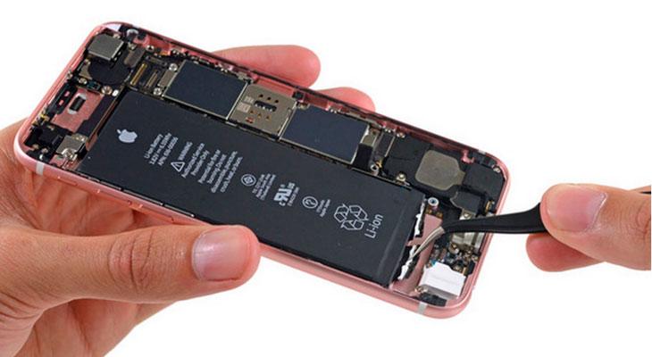 Apple se disculpa con sus clientes y rebaja el cambio de batería a $29