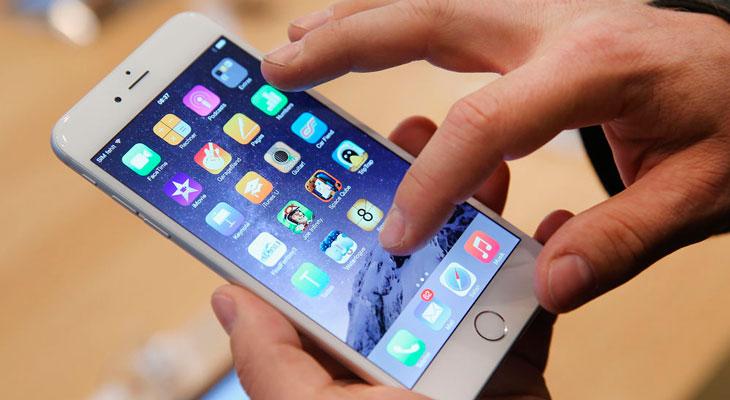 Demandan a Apple por 999.999 millones de dólares por ralentizar los iPhones con baterías viejas