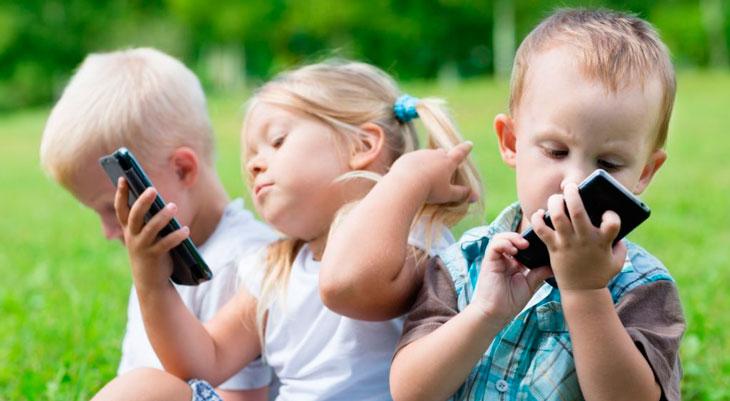 ¿Debería Apple hacer más para proteger a los niños de la adicción al iPhone?