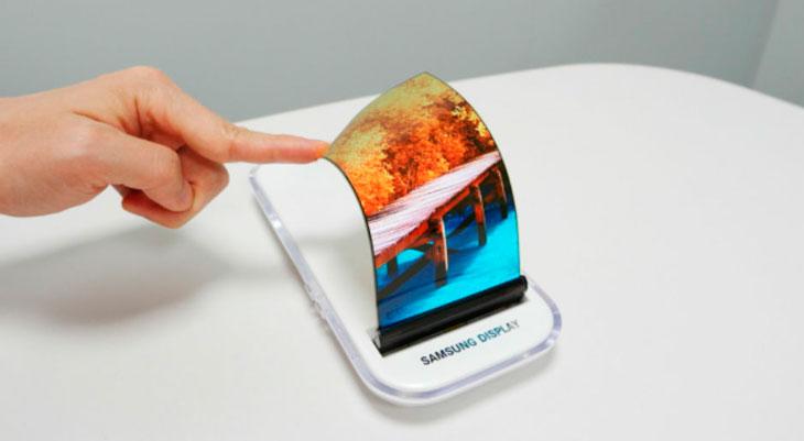 Samsung no sabe que hacer con el exceso de paneles OLED que tiene por culpa de Apple