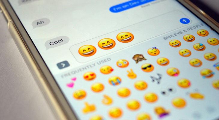 Apple propone nuevos emojis que representan personas con discapacidad