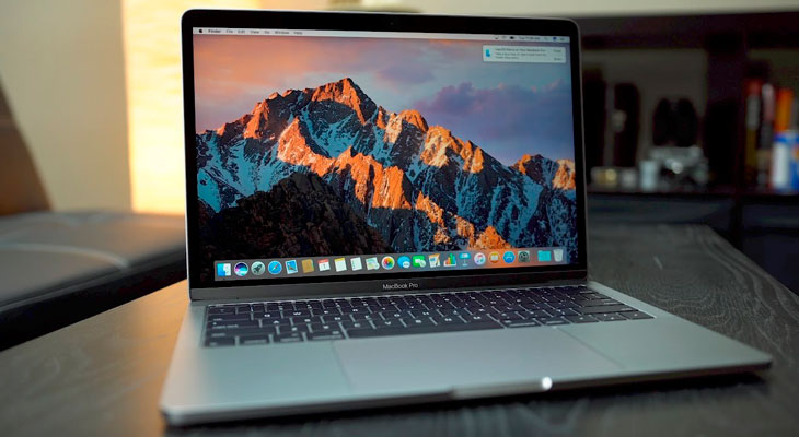 "Apple lanza un programa de cambio de batería para MacBook Pro de 13"" sin Touch Bar"