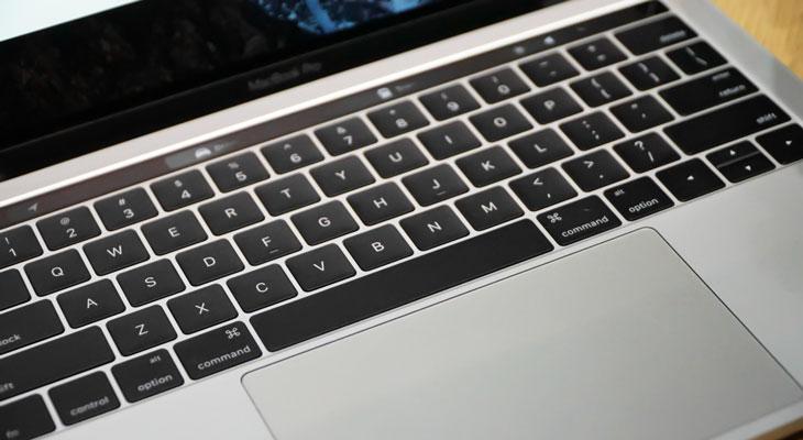"""Una petición exige a Apple que reemplace los teclados """"mariposa"""" de los MacBook Pro"""