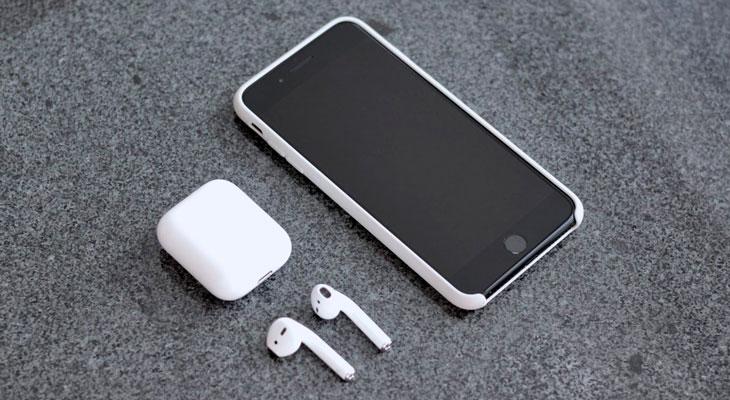Un dudoso rumor asegura que podremos cargar nuestro iPhone con el estuche de los AirPods