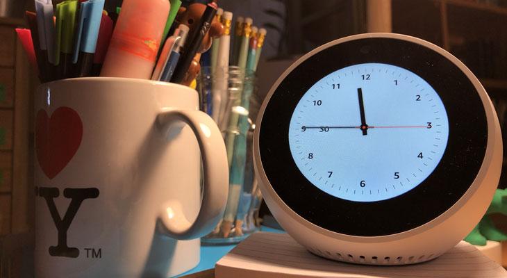 Echo Spot, así es el altavoz inteligente con pantalla de Amazon