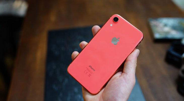 Apple baja el precio de los iPhone XR en Japón
